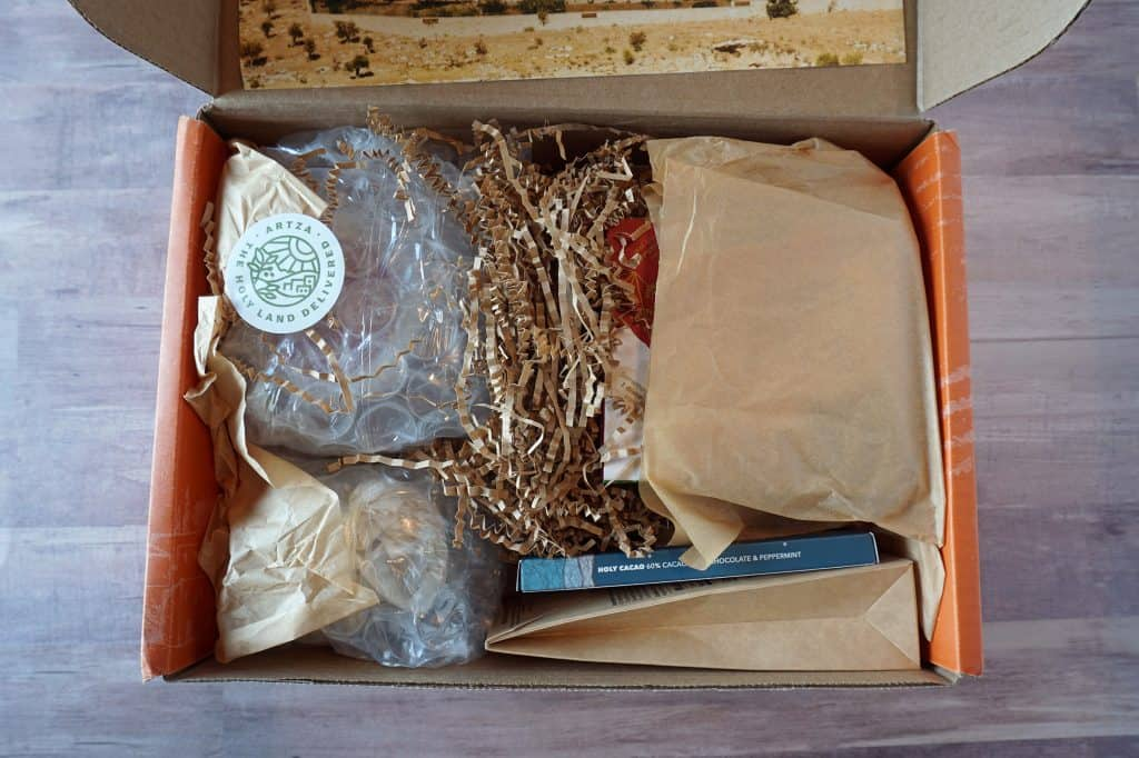 Artza box - contents